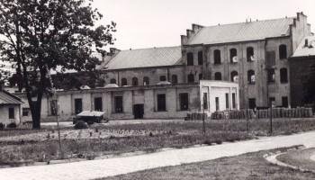 Dawne Zakłady Włókiennicze Lianka w b. pałacu Lubomirskich - budynki produkcyjne lata 70