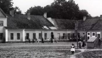 Pałac Lubomirskichw Głogowie Małopolskim od strony dziedzińca ok. 1902 r.